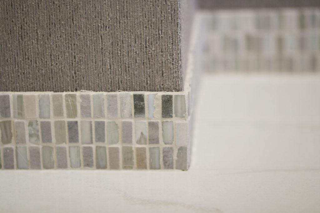 battiscopa mosaico pavimento